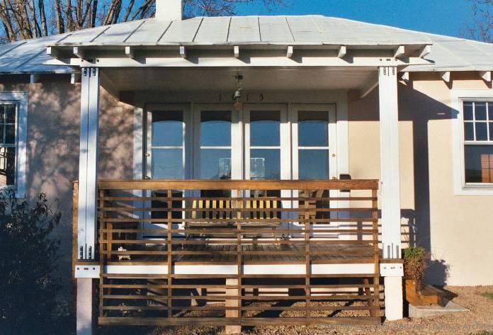 bungalow's porch